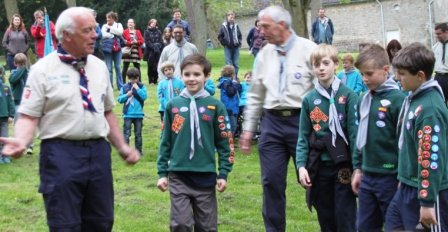 Dave welcomes new scouts to Burbage Troop
